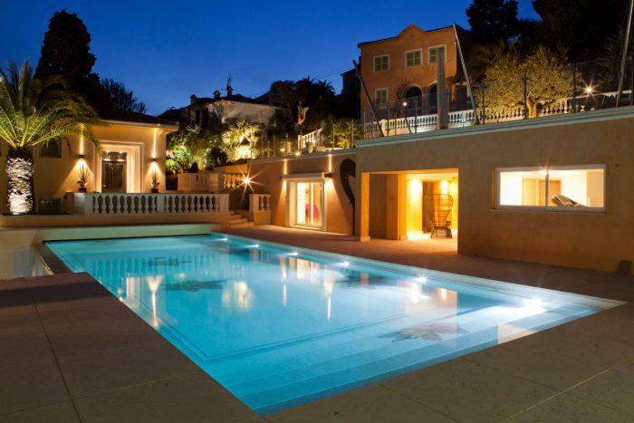 Rénovation et aménagement d'une maison d'amis dans une propriété de luxe à Villefranche sur Mer