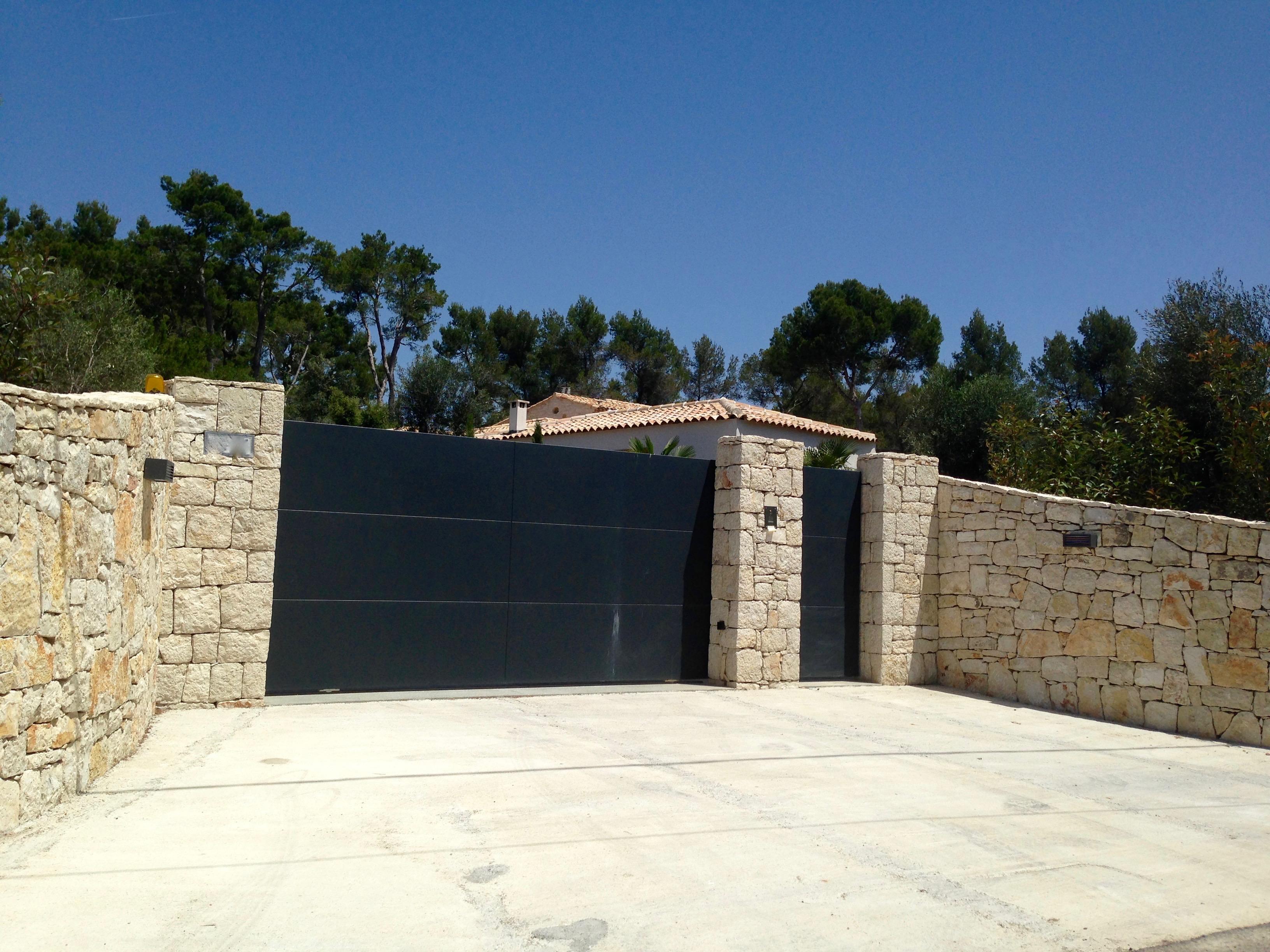 Murs en pierre – Enceintes de propriétés – Portails sur mesure – Gros oeuvre